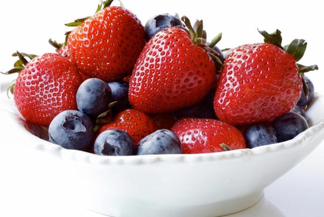 Blueberries, Strawberries May Decrease Risk of Heart Attack for Women